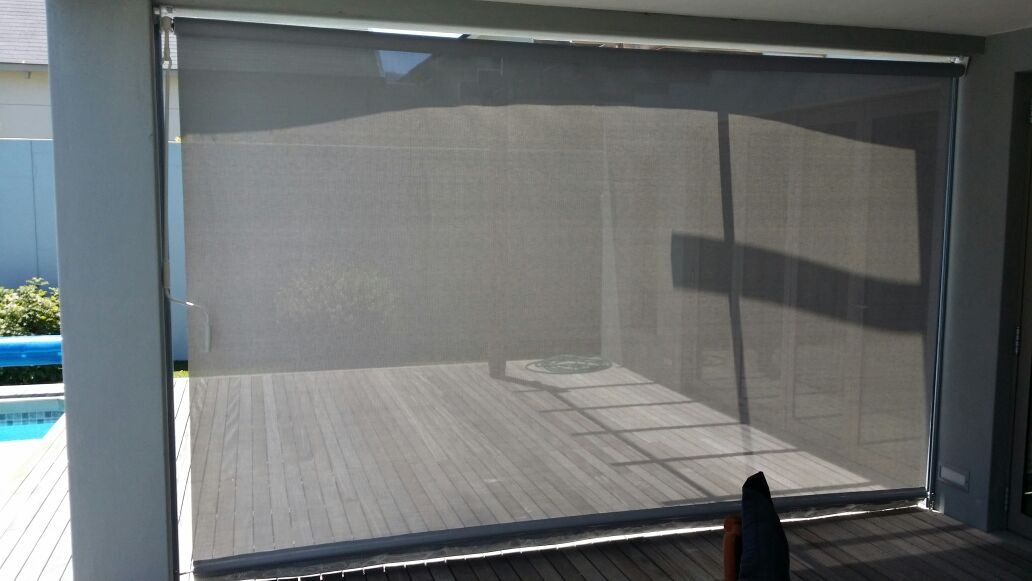 Outdoor Blinds With Guides